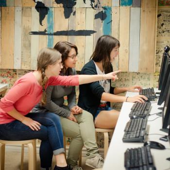 MB_66_computer room